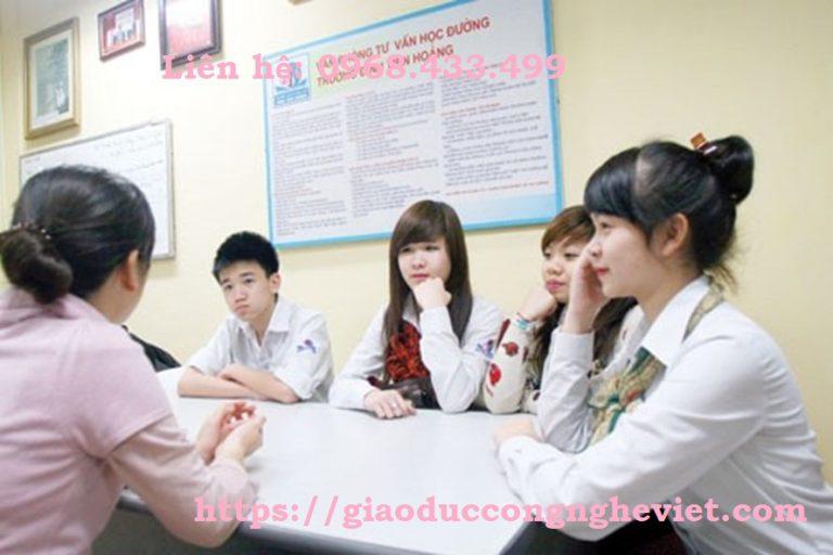 Bồi dưỡng năng lực tư vấn tâm lý cho học sinh trong trường phổ thông